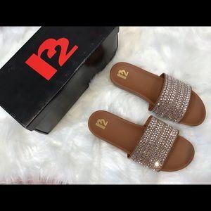 R2 sandals NWT rhinestone cognac size 8